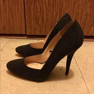 Black pointed stilettos